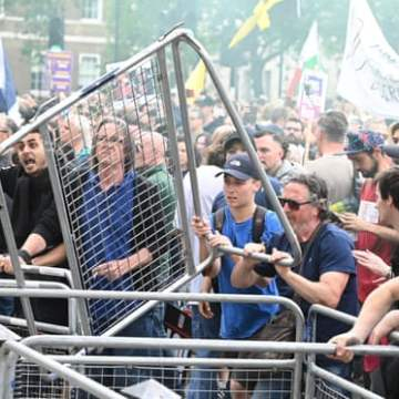 Three arrested and three officers injured at anti-lockdown protests in London