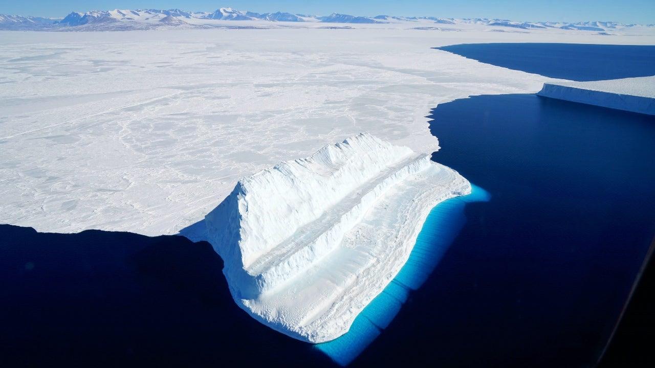 world's largest iceberg