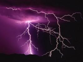 NL: Onweer, hagel en zeer zware windstoten verwacht