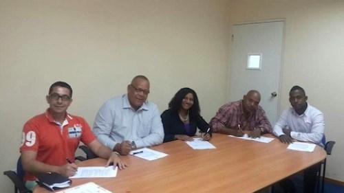 20141020-ondertekening PUK Partido Union Korsow-1