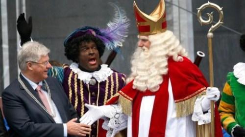Dit jaar is de traditionele Zwarte Piet in veel gemeenten te zien, net zoals hier bij de sinterklaasintocht vorig jaar in Groningen | foto ANP.