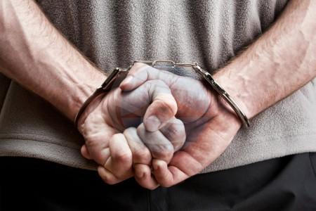 Drie aanhoudingen wegens drugs bij inval Sta. Catharina