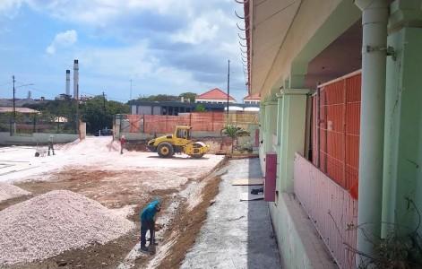 Bij de Goslingaschool in Otrobanda is de renovatie eind juni gestart en loopt voorlopig door | Foto Elisa Koek