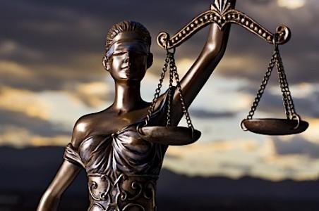 Rechter treedt terug in Centrale Bank conflict