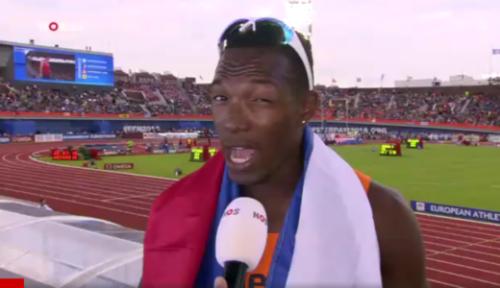 """Ik wilde iets speciaals doen voor Nederland en Curaçao. Geweldig dat dat lukt"""", glunderde hij."""