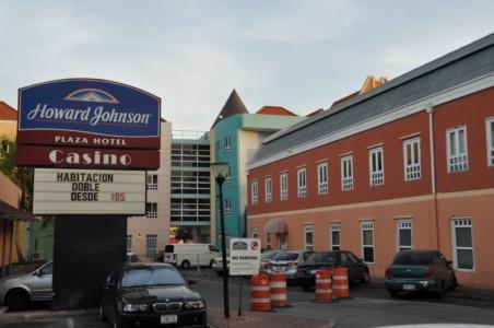 Het is volgens Frente Sivil ook goed dat advocaat Geert-Jan Knoops en officier van justitie Gert Rip het verstrekken van de casinovergunning van zowel 2010 als 2012, voor het hotel Howard Johnson gaan analyseren.