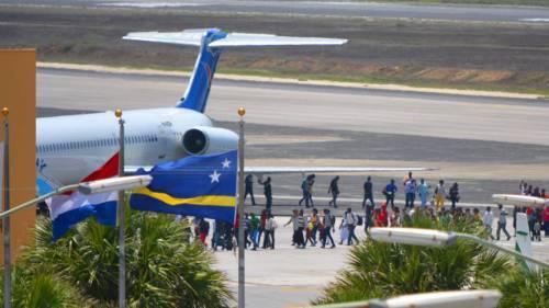 Veel reizigers stranden op Hato Airport vanwege de problemen bij Insel Air | Persbureau Curacao