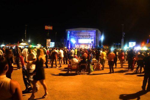Tumba voorbereiding gezelligheid | Persbureau Curacao