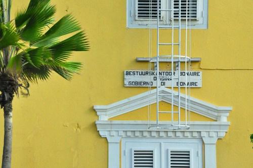 Reden is de benoeming van partijleider Elvis Tjin Asjoe van regeringspartij MDB als consultant bij Bonaire Holding, een overheidsbedrijf | Persbureau Curacao