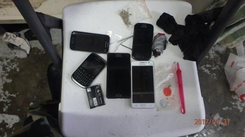 Mobiele telefoons gevonden tijdens zoeking in de Pointe Blanche gevangenis
