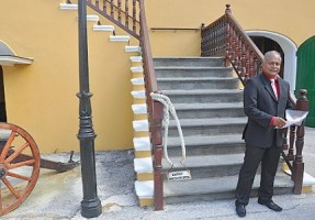 Minister van Onderwijs Carlos Monk (PS) net na zij beeidiging
