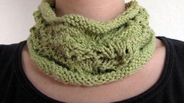 Cuello de lana verde