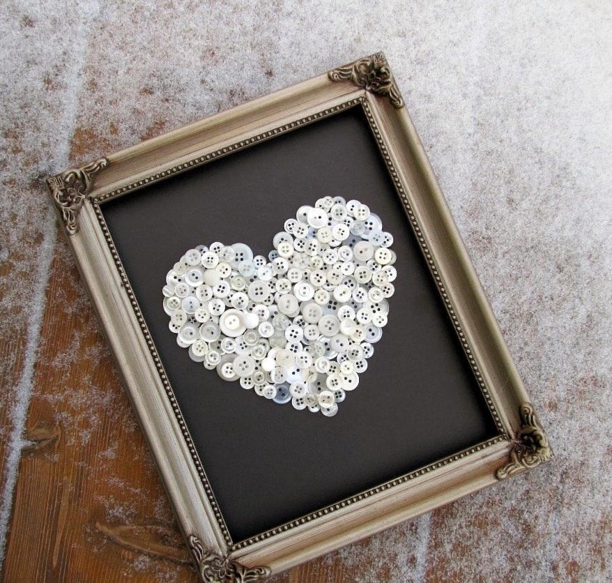Фотокартина сердце из пуговиц