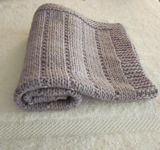 15 FREE baby blanket knitting patterns