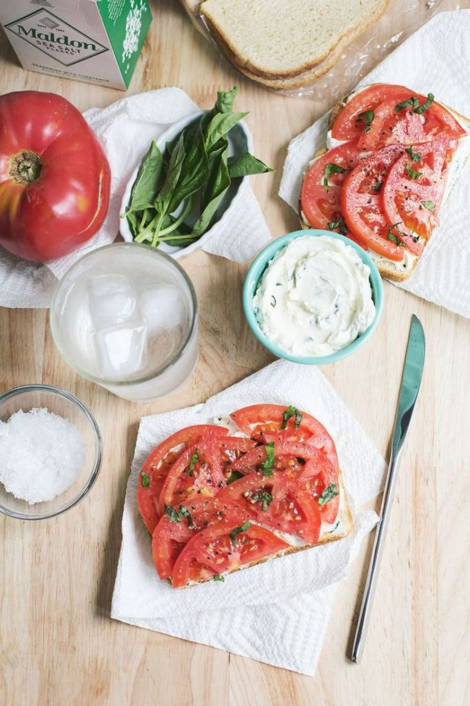 Pin Ups: Fresh Tomato sandwich| knittedbliss.com