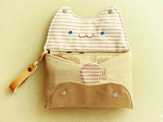 Pin Ups and Link Love: Sewing Tutorial Cat Purse| knittedbliss.com