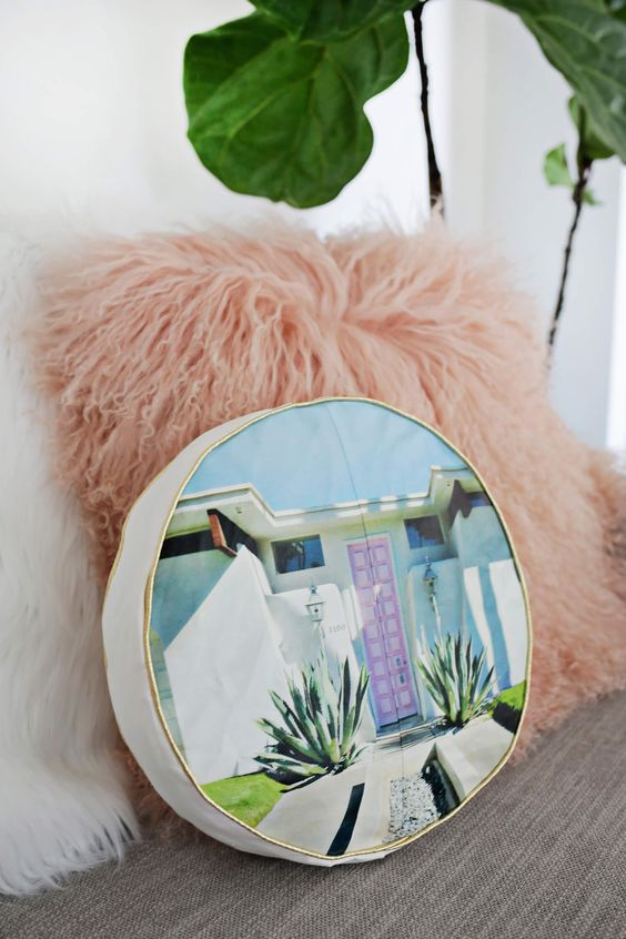Pin Ups and Link Love: Photo Pilloe| knittedbliss.com