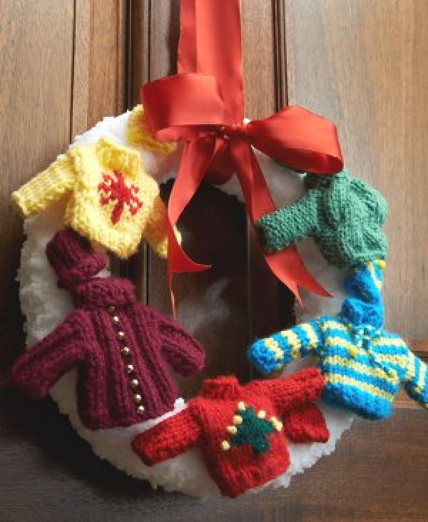 holiday-sweater-wreath