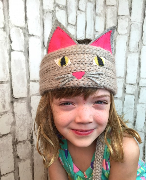 make a spool knit cat headband with help from vickie howell