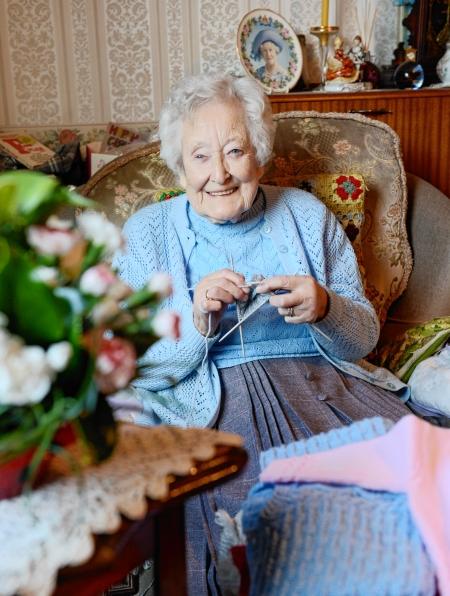 etta brown, knitting medal winner