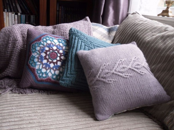 coneflower cushion knitting pattern