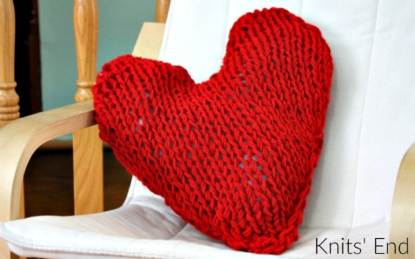 Heart shaped pillow knitting pattern