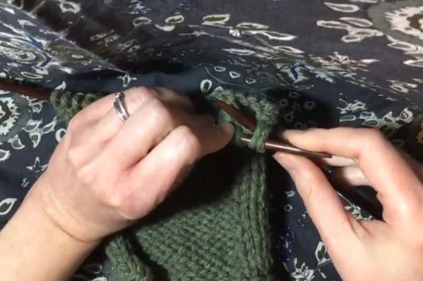 Learn how to bind off in a way that's stretchy and not too tight!