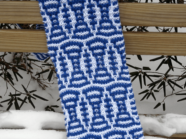 Get Ready for Football Season with this Great Mosaic Scarf