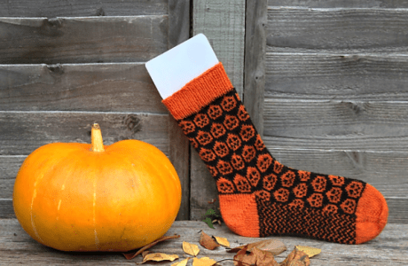 Gorgeous Jack O'Lantern Socks to Knit for Halloween