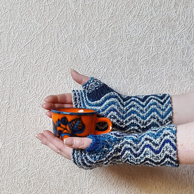 Fun Zigzag Mitts to Knit
