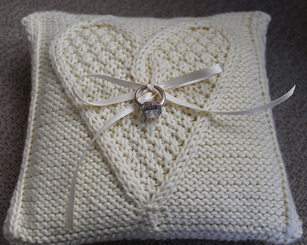 ring bearer pillow knitting pattern