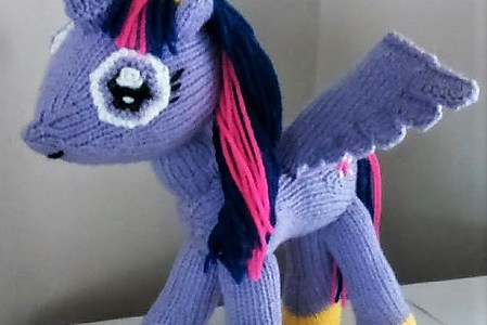 Knit a Princess Twilight Sparkle