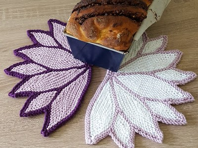 Knit a Water Lily Washcloth