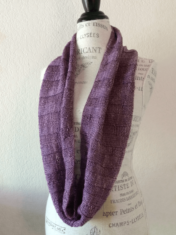 Knit A Simple Ribbed Cowl With A Big Skein Of Yarn Knitting