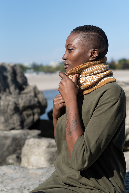 Bring Some Colorwork into Your Life with the Camilla Neckwarmer