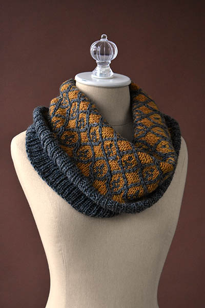 willowwork colorwork cowl