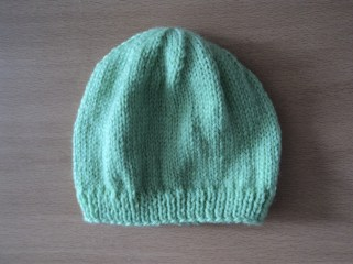 baby tuque in light green