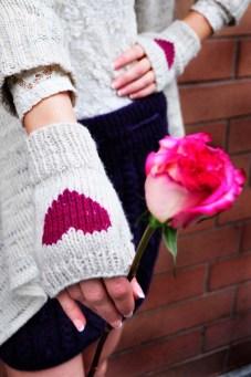 be my valentine fingerless gloves knitting pattern i heart you 5