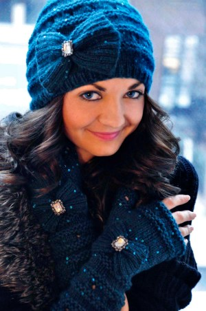 your time to shine sequin bow hat and mittens knitting pattern 1