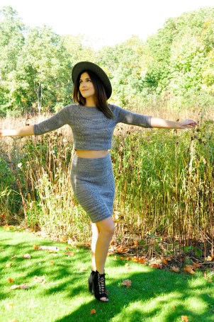 crop-it-like-its-hot-knitted-crop-top-and-pencil-skirt-knitting-pattern-2