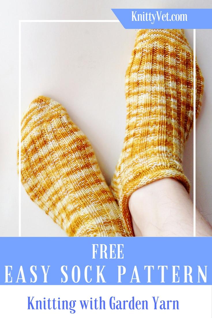 Free Easy Sock Knitting Pattern from Knittyvet.com