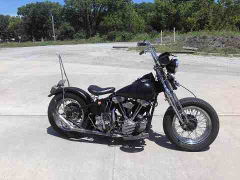 1946 harley Davidson Knucklehead as seen at Knobtown Cycle
