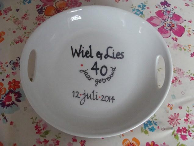 Het bord - The plate