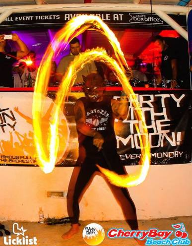 Fire Show, Henn, Cherry Bay, Zakynthos