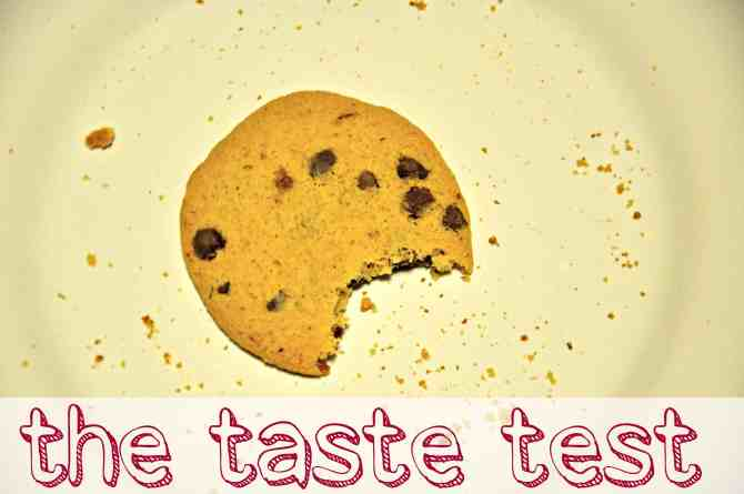 the back to school lunch challenge - chocolate chip cookie taste test - from knowgluten.me