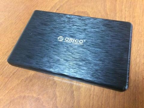 ORICO 2.5インチ HDD ケース 本体です