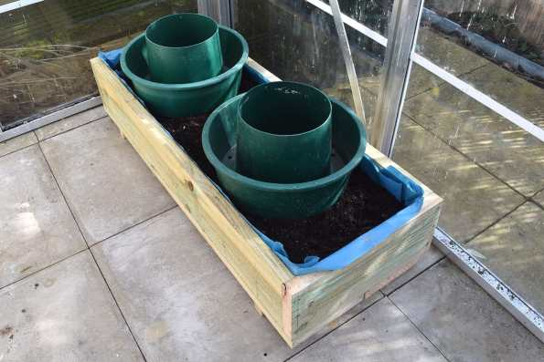 It will also accommodate a pair of grow pots