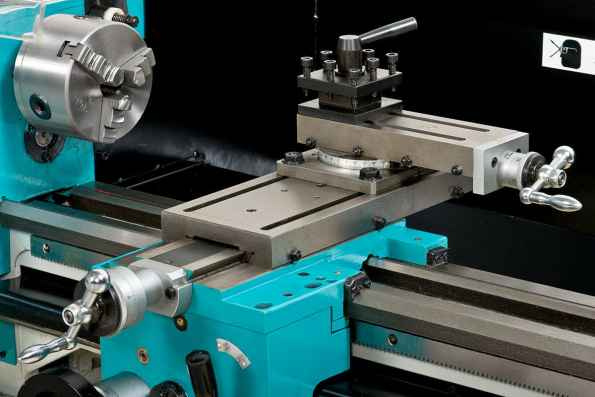 Engineering lathe