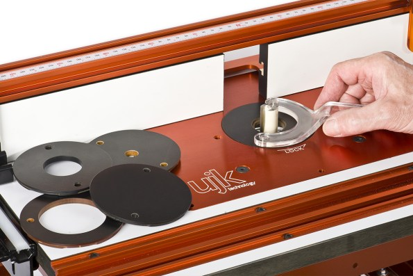Router table insert disc