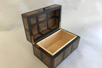 Burr Elm and Indian Ebony box (Woodbloke)